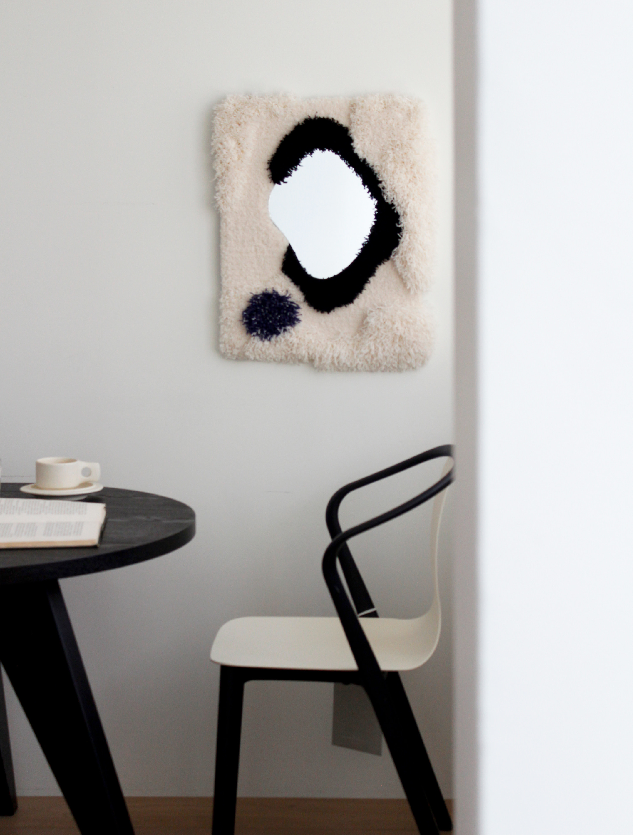 Fluffy Pebble Mirror (Black&Blue)